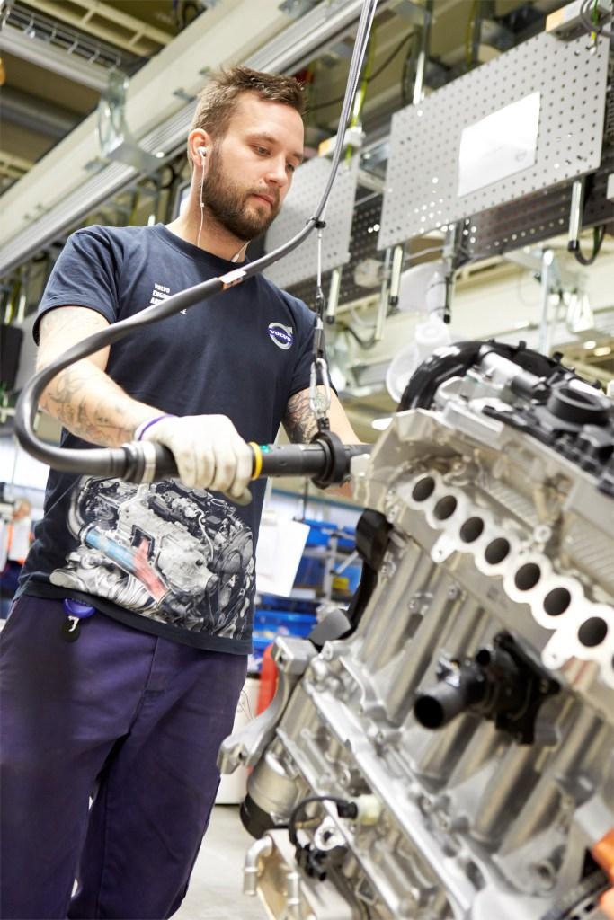 Assembly in Volvo Cars' engine factory in Skövde, Sweden