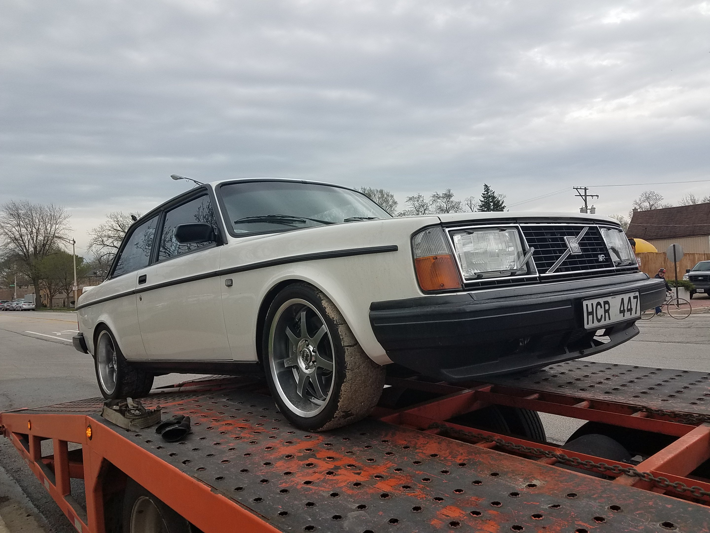 Remember That Volvo 242 / S60R Mashup? It's Here in Oak Park!