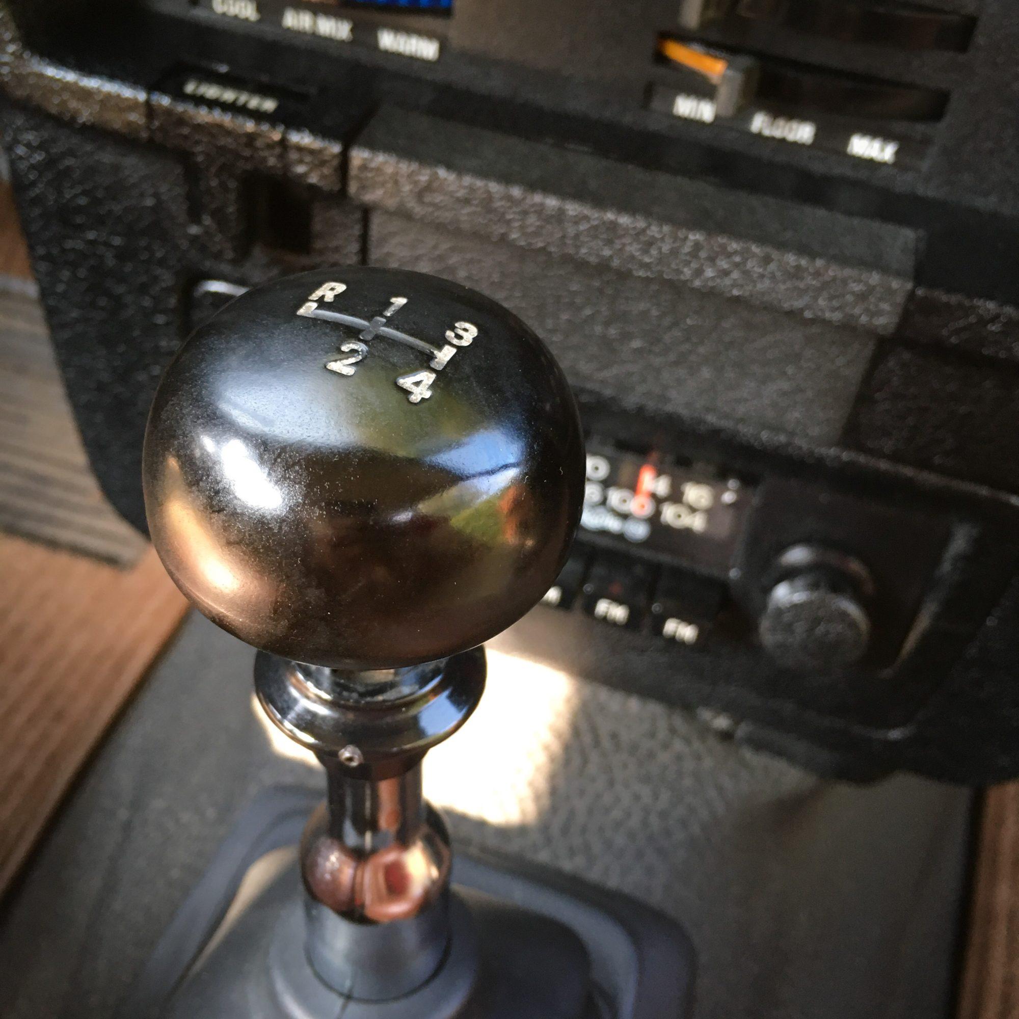 Yannick-Moonen-1976-Volvo-245L-Road-Trip-15-2000x2000