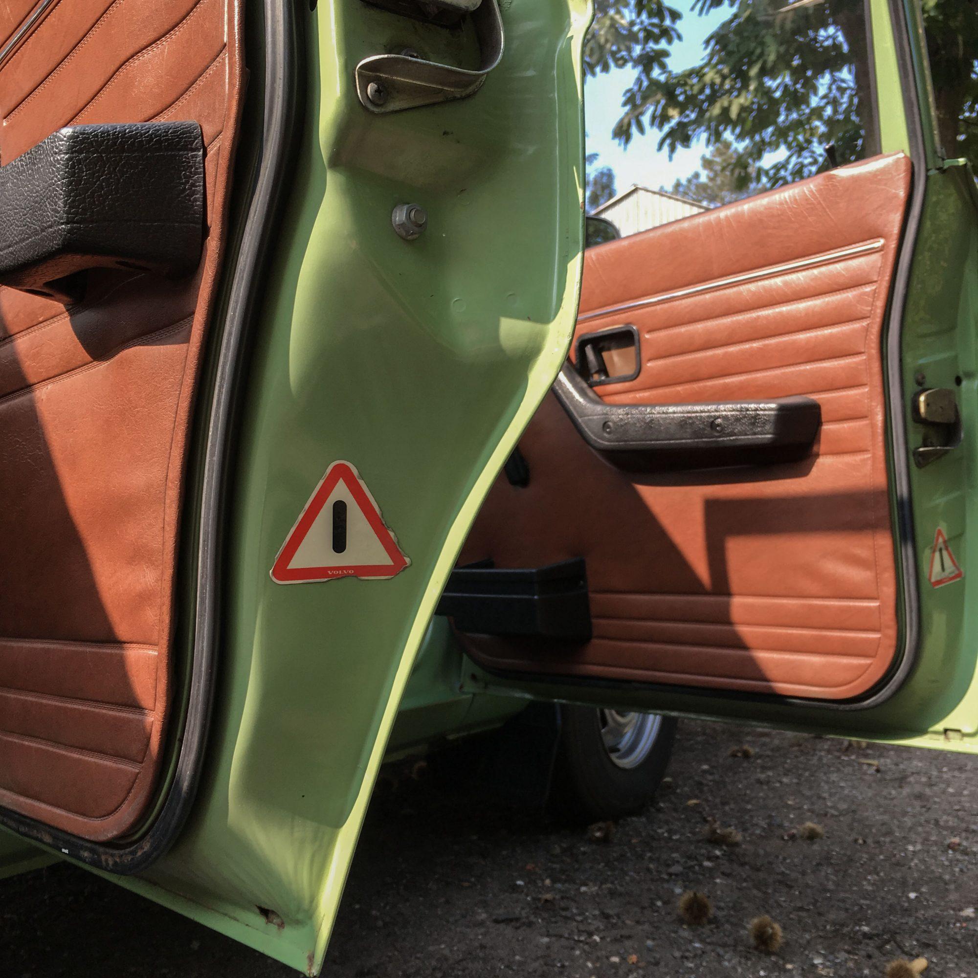 Yannick-Moonen-1976-Volvo-245L-Road-Trip-16-2000x2000
