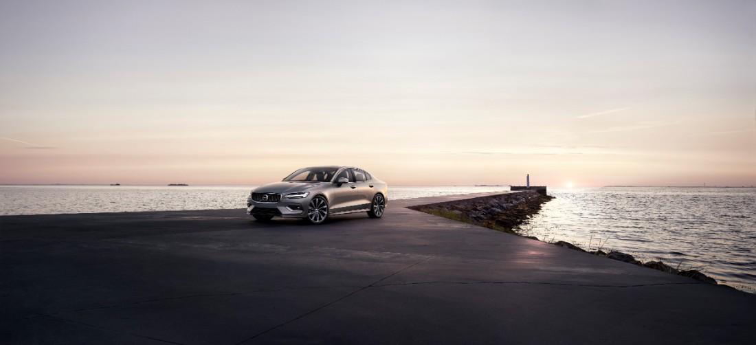 230745_New_Volvo_S60_Momentum