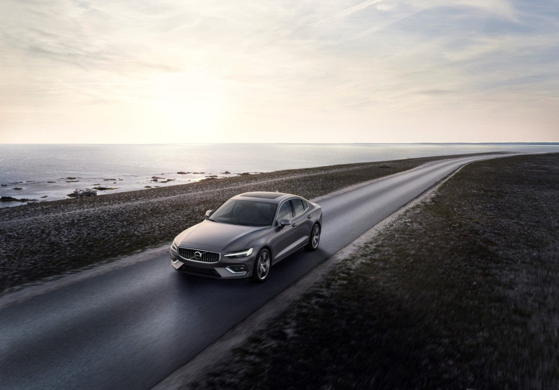 230751_New_Volvo_S60_Inscription_exterior