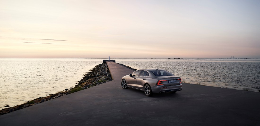 230752_New_Volvo_S60_Inscription_exterior