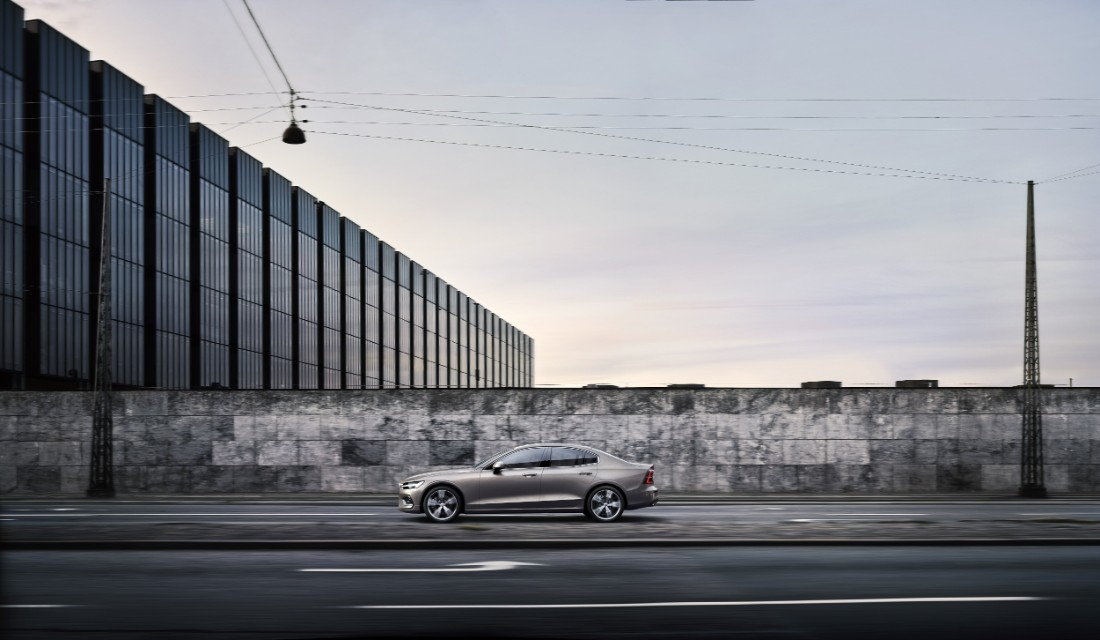 230757_New_Volvo_S60_Inscription_exterior