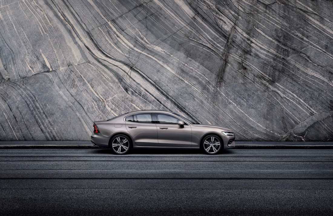 230759_New_Volvo_S60_Inscription_exterior