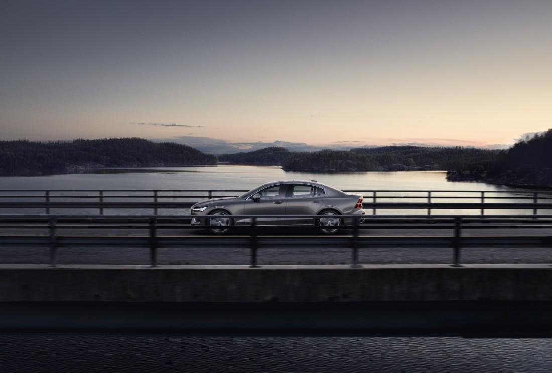 230760_New_Volvo_S60_Inscription_exterior