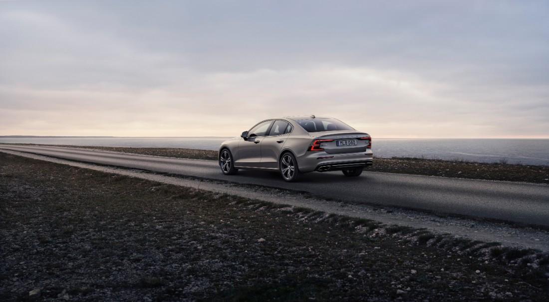 230763_New_Volvo_S60_Inscription_exterior