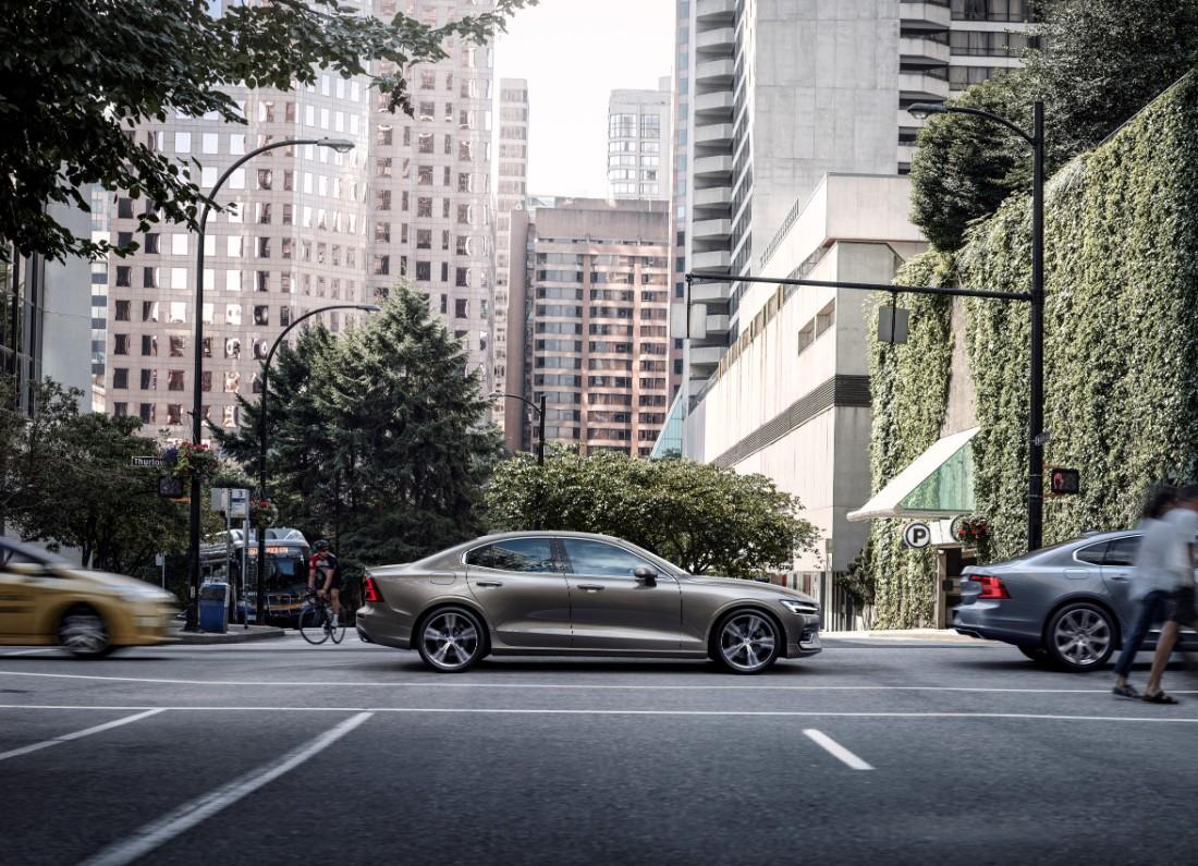 230764_New_Volvo_S60_Inscription_exterior
