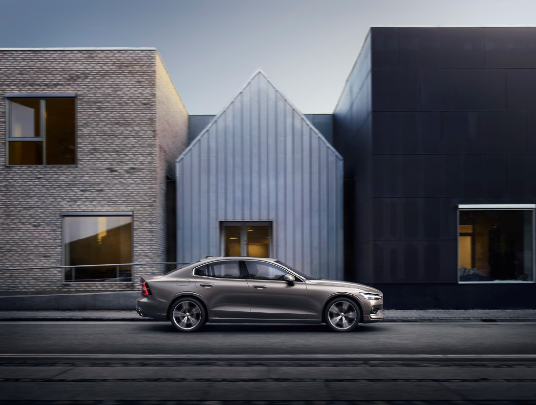 230767_New_Volvo_S60_Inscription_exterior