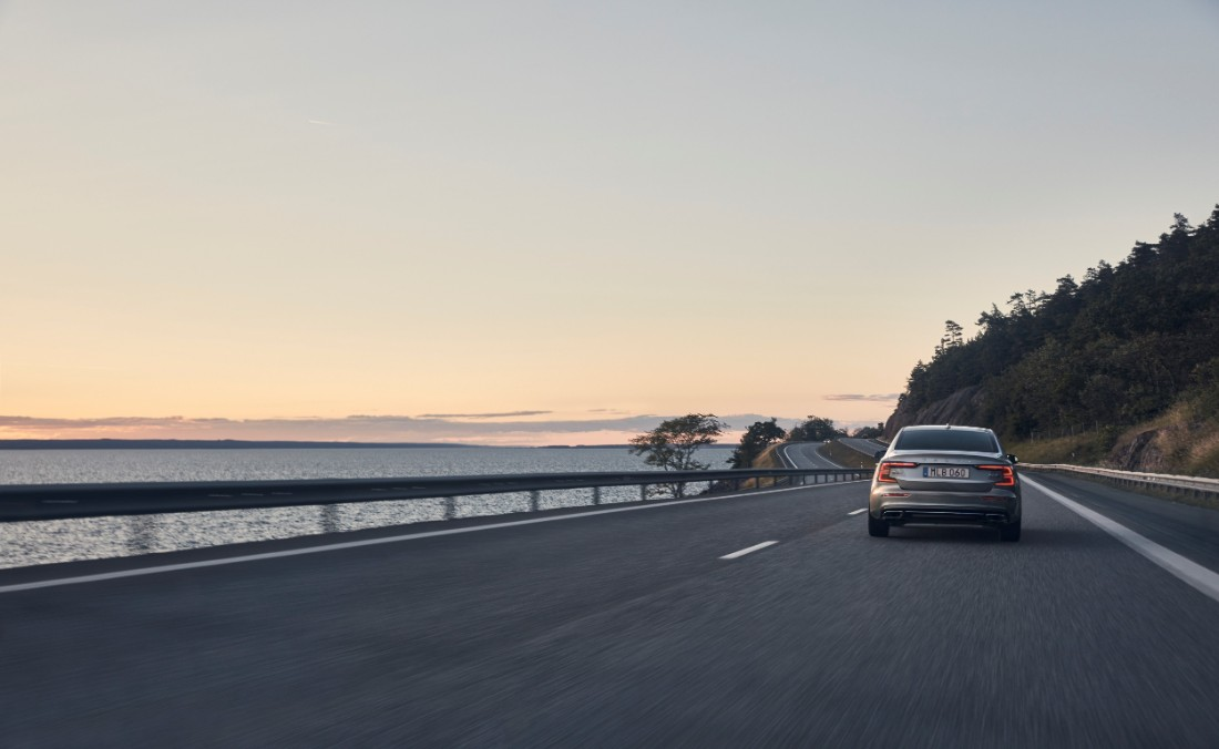 230771_New_Volvo_S60_Inscription_exterior