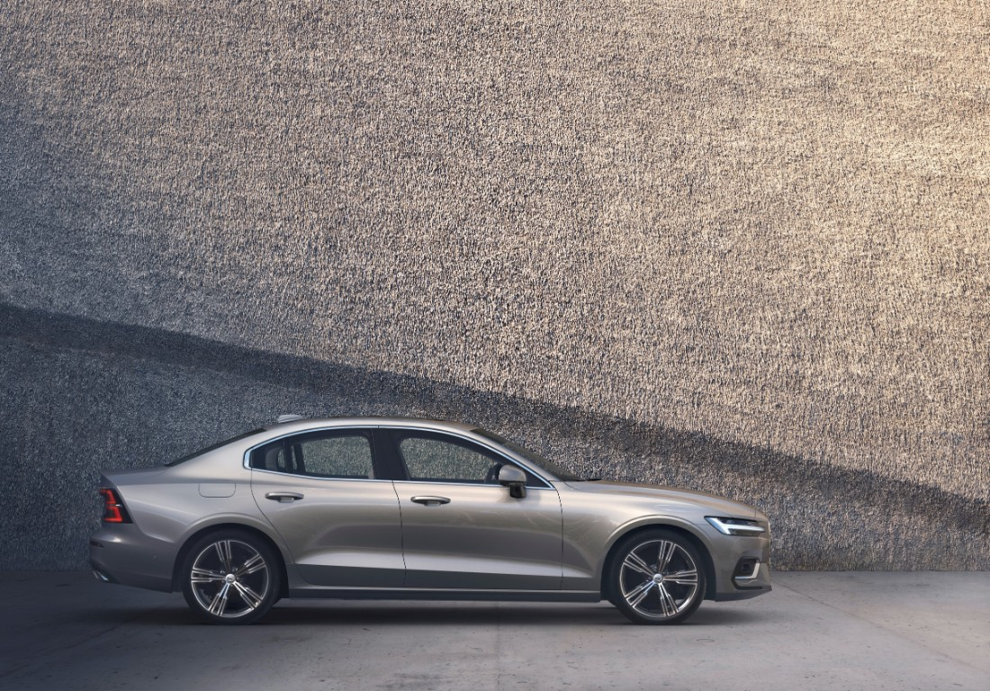 230773_New_Volvo_S60_Inscription_exterior