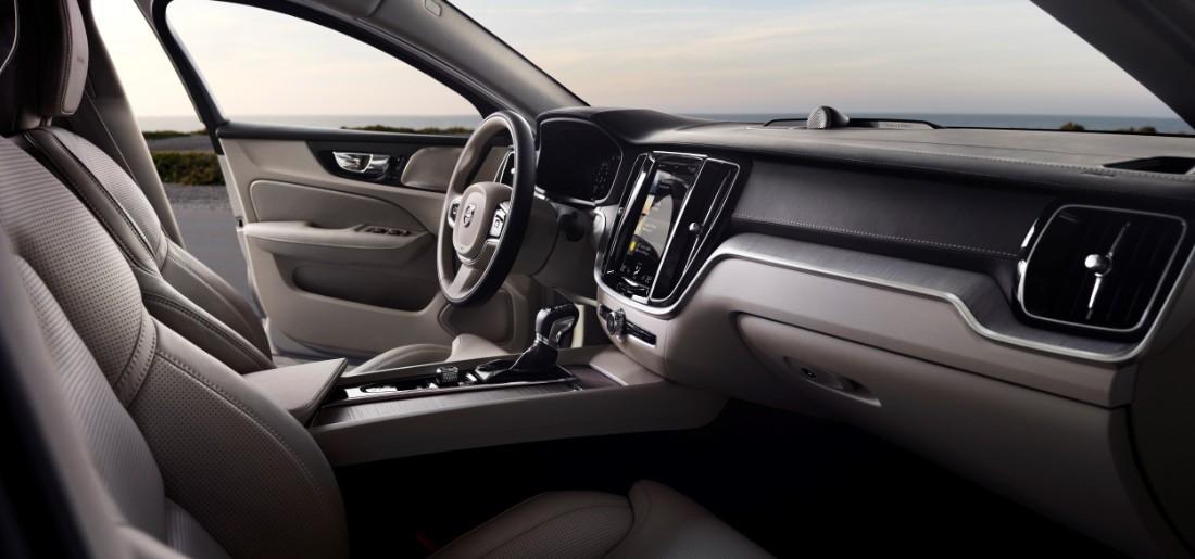 230780_New_Volvo_S60_Inscription_interior