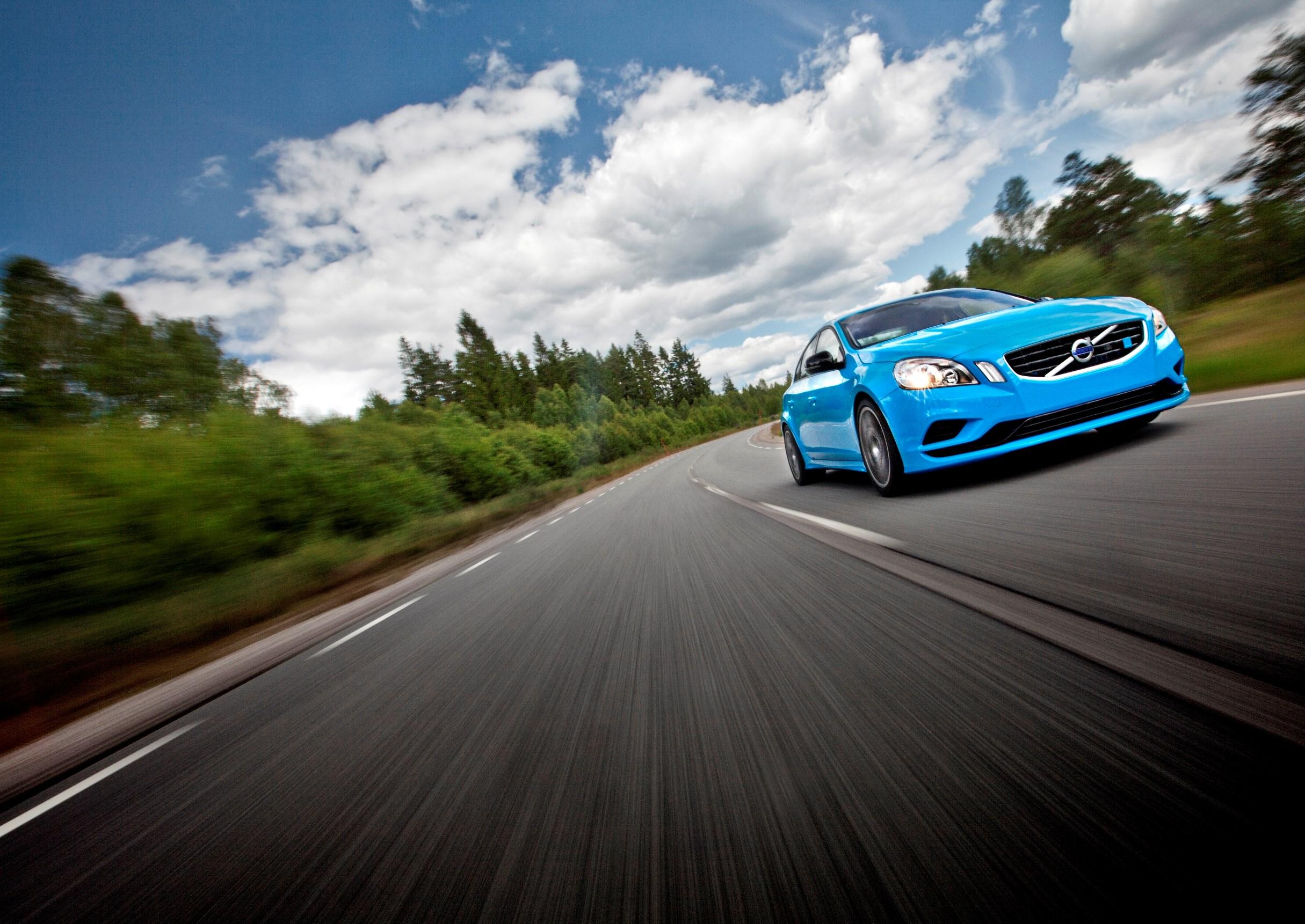 47490_Volvo_S60_Polestar_Concept