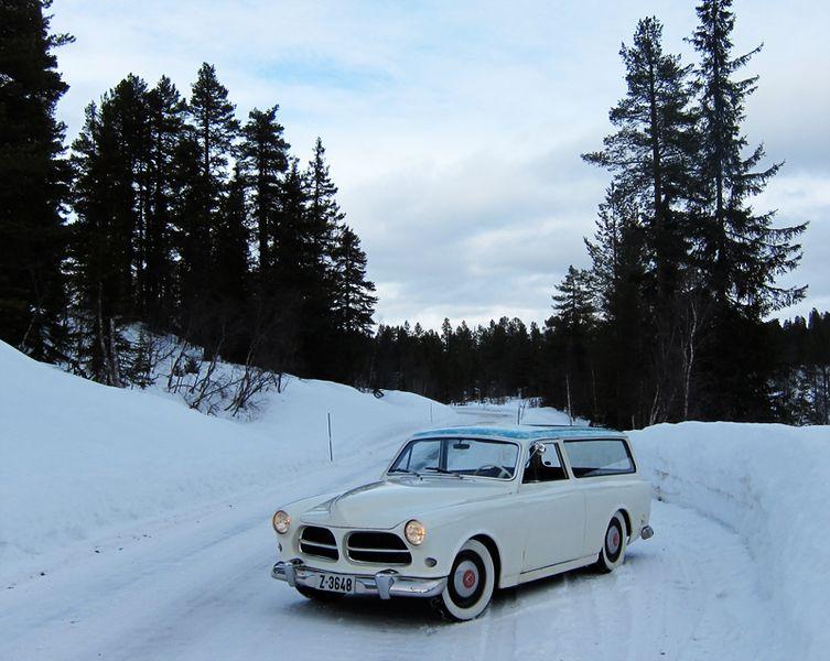 753px-Olav-kjetil-kvipt-1967-amazon-volvo-220-52