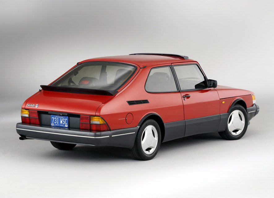 saab-900-turbo-offered-high-performance-with-a-side-of-weird-1476934005012-886x640